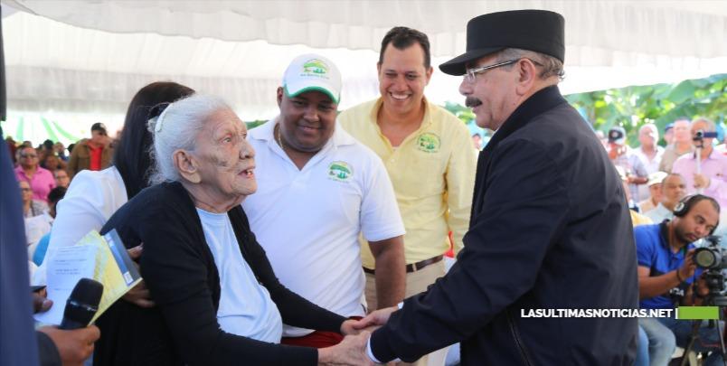Danilo Medina conmemora 207 aniversario natalicio Duarte aumentando competitividad de productores y ganaderos de Valverde y Montecristi