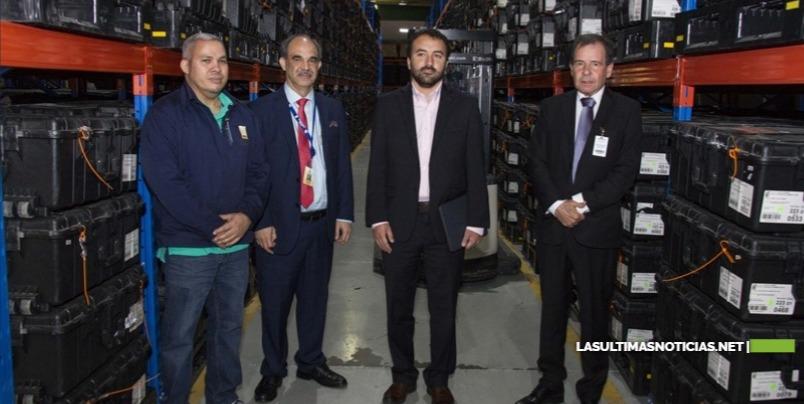 Misión de Avanzada de OEA supervisa almacén de equipos del Voto Automatizado