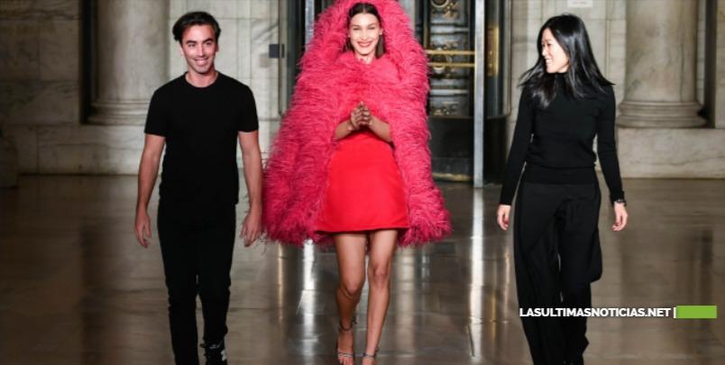 Oscar de la Renta, una fantasía de moda en la Biblioteca de Nueva York