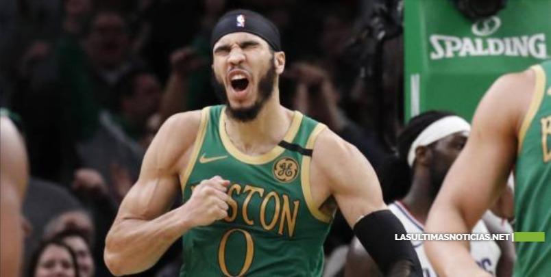 Jayson Tatum aporta 39 puntos y los Celtics ganan en dos prórrogas
