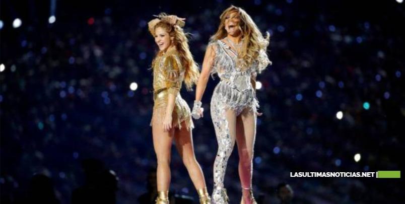 JLo y Shakira en el Super Bowl desatan polémica sobre migración y obscenidad