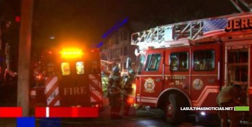 Incendio daña 2 hogares y desplaza a 10 personas en Jersey City