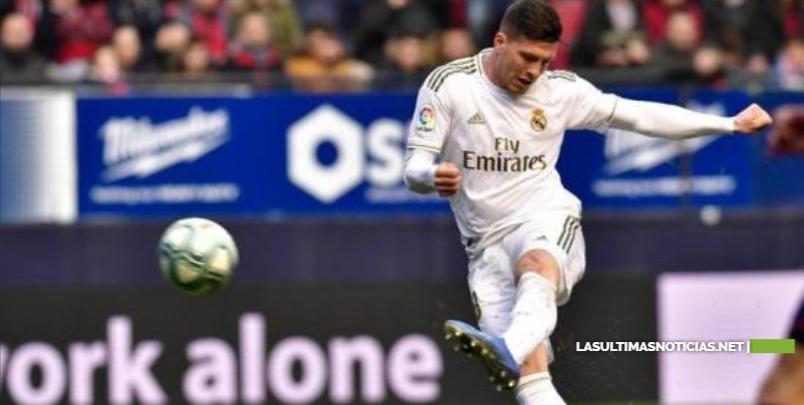 El Real Madrid golea  al Osasuna y se afianza en liderato de España