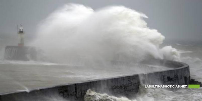 La tormenta Ciara golpea a los transportes en Gran Bretaña