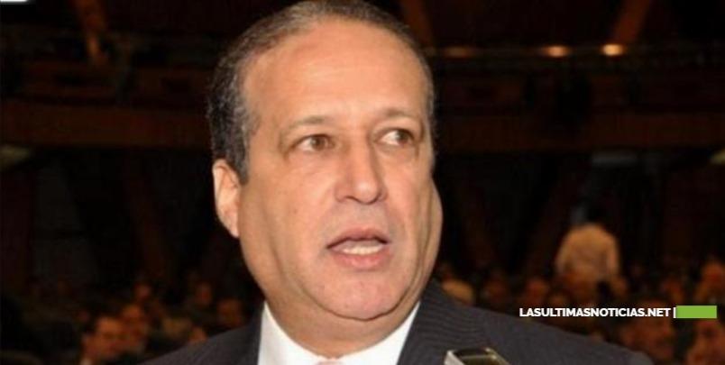 Reinaldo Pared Pérez anuncia que tiene cáncer en el esófago