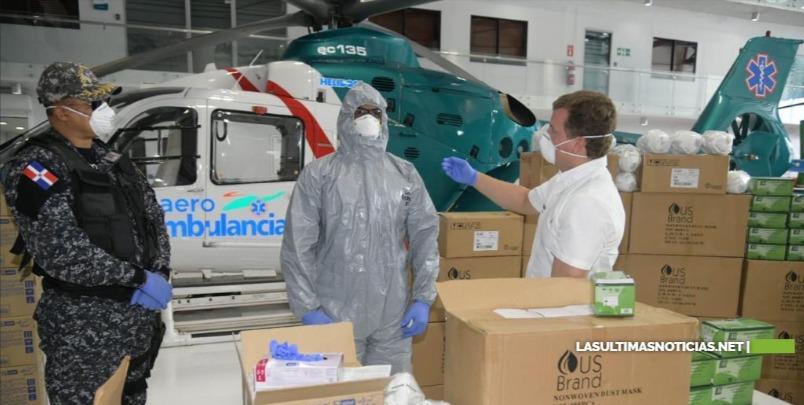 Gonzalo Castillo dona a la Policía Nacional 15,500 mascarillas, 120,000 guantes y 80 trajes de bioseguridad