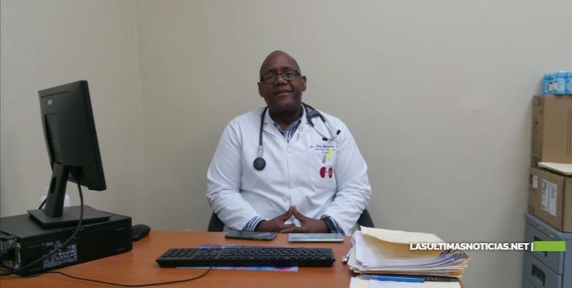 Especialista del Moscoso Puello llama a la ciudadanía a cuidar el riñón