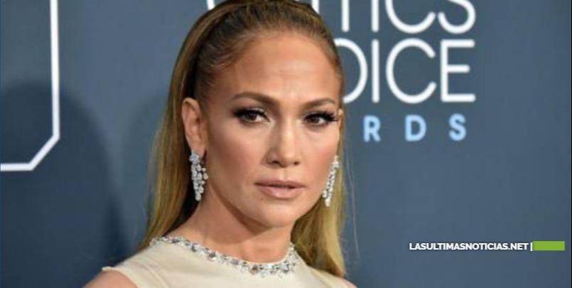 Jennifer López es demandada por paparazzi