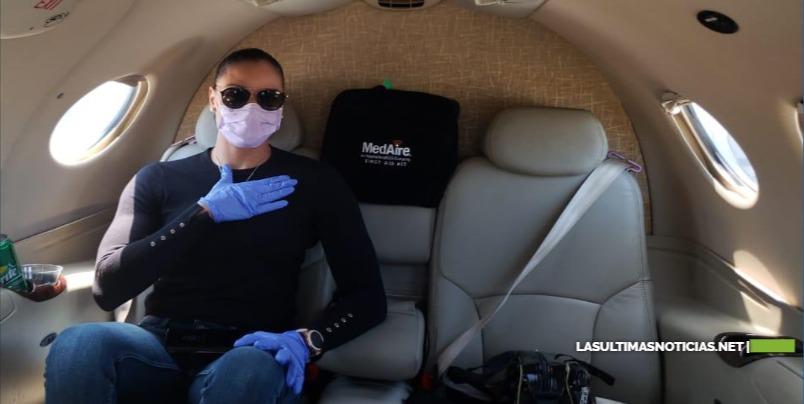Llegó al país en una aeronave privada de Helidosa procedente de Miami, la integrante de las Reinas del Caribe Gina Mambrú