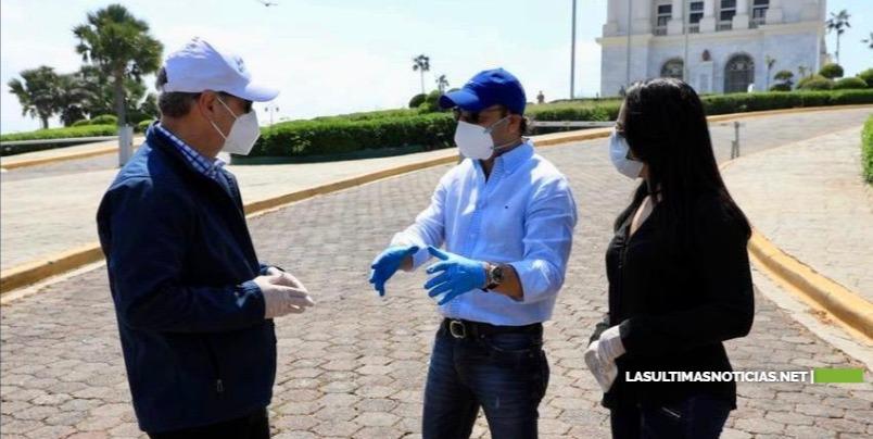 Gonzalo Castillo visita Santiago y coordina acciones con el alcalde Abel Martínez para enfrentar el coronavirus