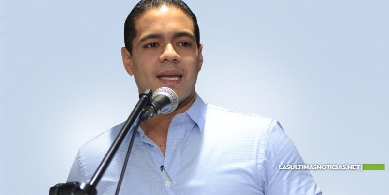 Edward Hidalgo marca el inicio de campaña junto a candidatos de la juventud perredeísta