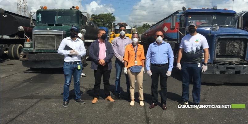 Medio Ambiente visita Muelle Haina para inspeccionar 29 camiones tanqueros detenidos por Aduanas cargados de residuos oleosos llegó al país de manera irregular