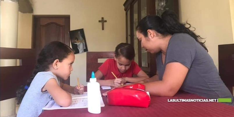 Familia de Jánico testifica que trabajar juntos en casa es una experiencia satisfactoria.