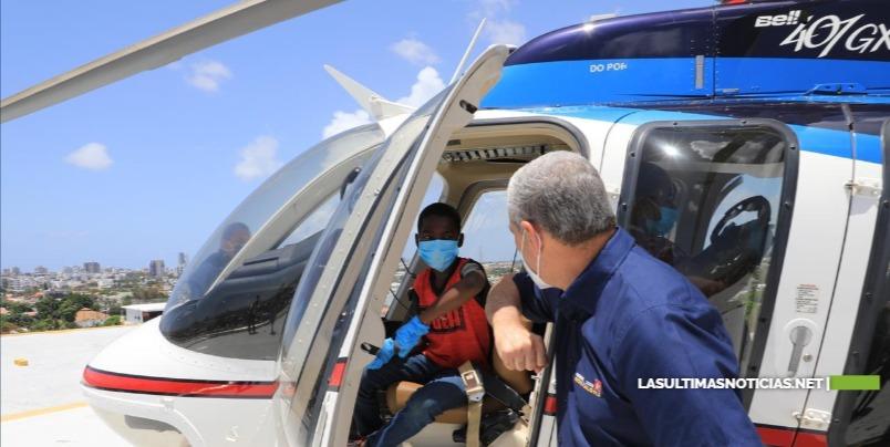 Gonzalo Castillo pagará estudios de niño de 12 años que desea ser técnico en aviación y construye helicópteros con materiales reciclados