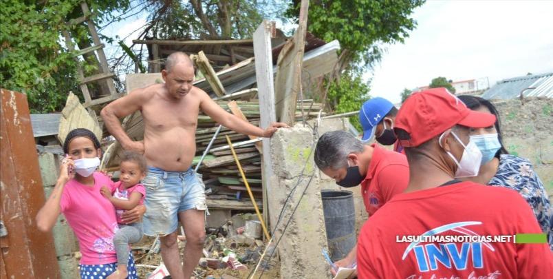 INVI evalúa viviendas afectadas tras explotar tanque de agua en Santiago