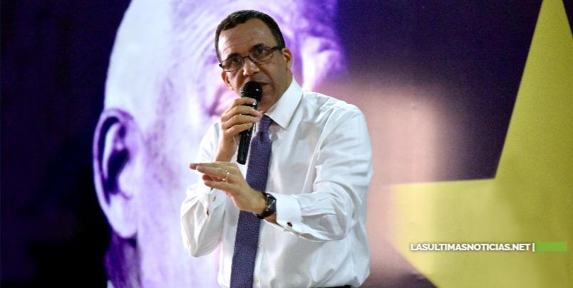 """Andrés Navarro califica de """"bochornoso y politiquería"""" falsas declaraciones de presidenta ADP al decir que Gonzalo Castillo reduciría 4% par la educación"""