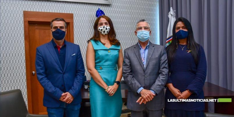 El alcalde Manuel Jiménez dispuso agilizar permisos para filmación de proyecto de Lantica