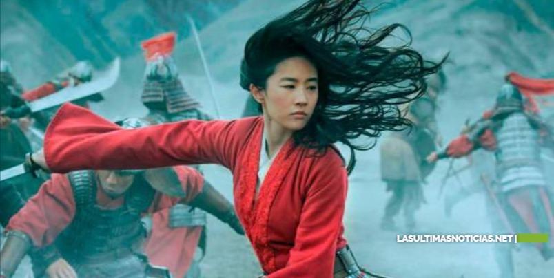 Críticas a Disney por agradecer a autoridades chinas en créditos de Mulan
