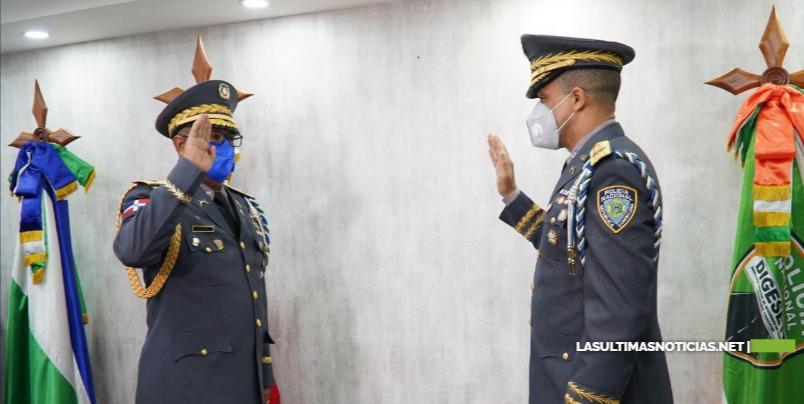 Director de la Policía Nacional posesiona al nuevo director de la DIGESETT