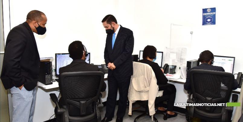 """Consulado Dominicano en NY inaugura """"Call Center"""" para aumentar facilidades a usuarios"""