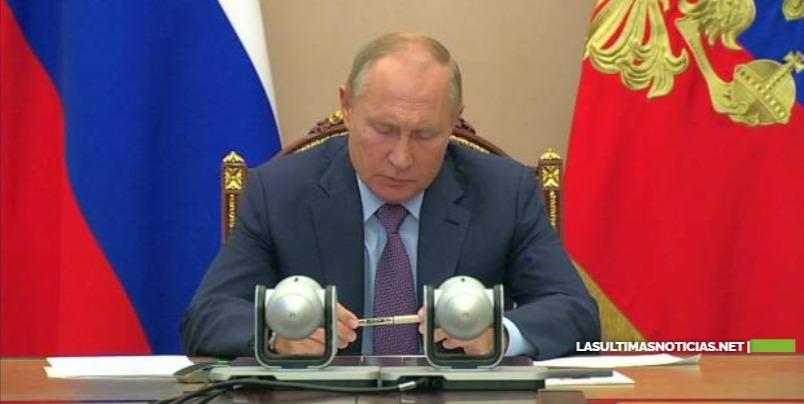 Rusia reporta éxito en segunda vacuna contra Covid-19 en fase 1
