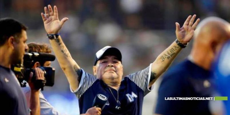 """Adiós a Diego Maradona, """"el mejor futbolista popular del siglo XX"""""""