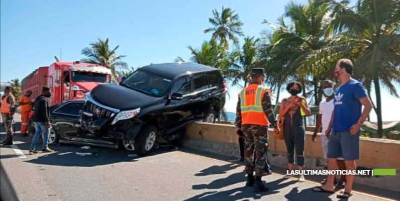 Accidente múltiple en la autopista Las Américas