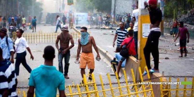 Embajada de EE.UU. en Haití restringe viajes de su personal al país caribeño por disturbios