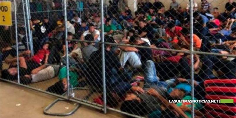 EE.UU. planea permitir quedarse en el país a familias separadas en frontera