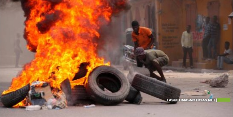 Arden barricadas en Cap-Haitien en la víspera de funeral del presidente Moïse