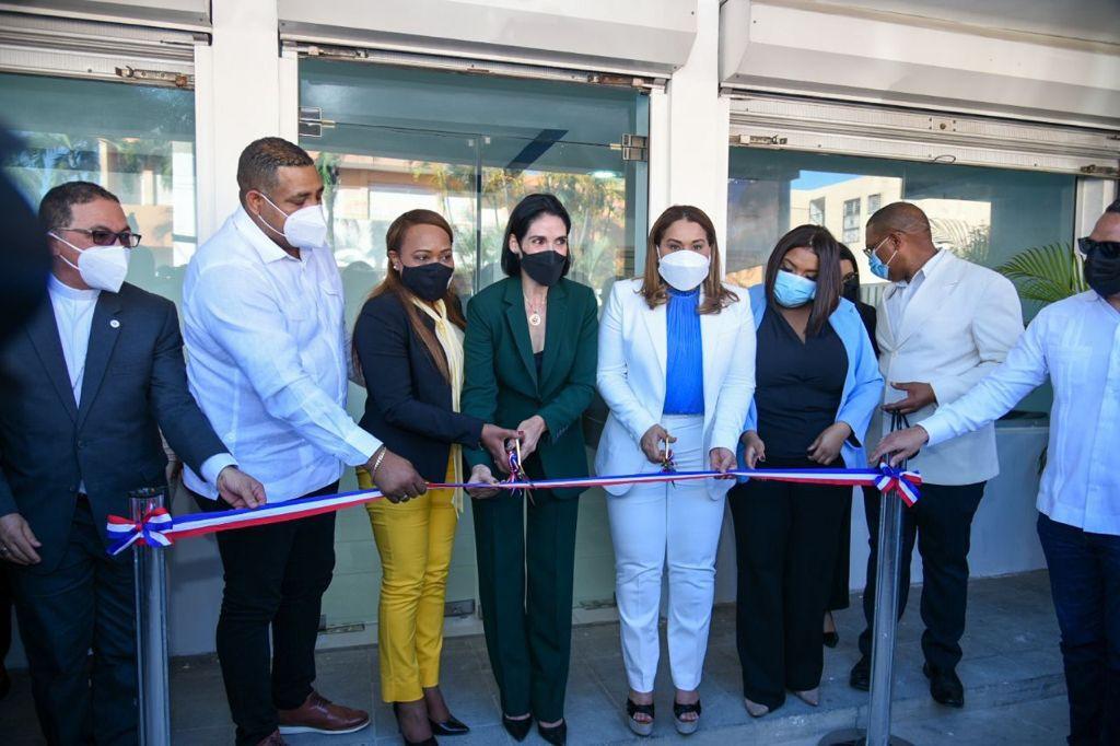 Ministra de la Mujer y Primera Dama inauguran local de OPM y OMM en San Pedro de Macorís y Consuelo
