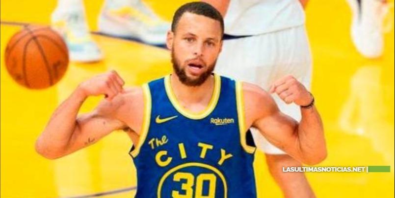 Stephen Curry firma contrato por US$215 millones y cuatro temporadas