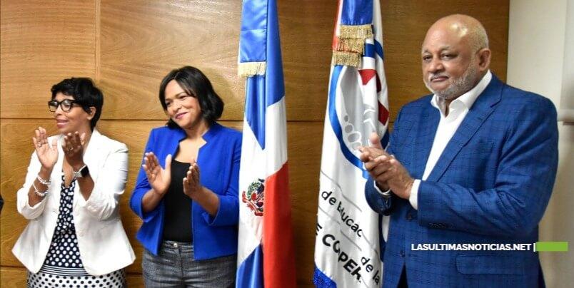 Periodista Diulka Pérez es promovida a directora ejecutiva del Plan Estratégico Institucional del MINERD