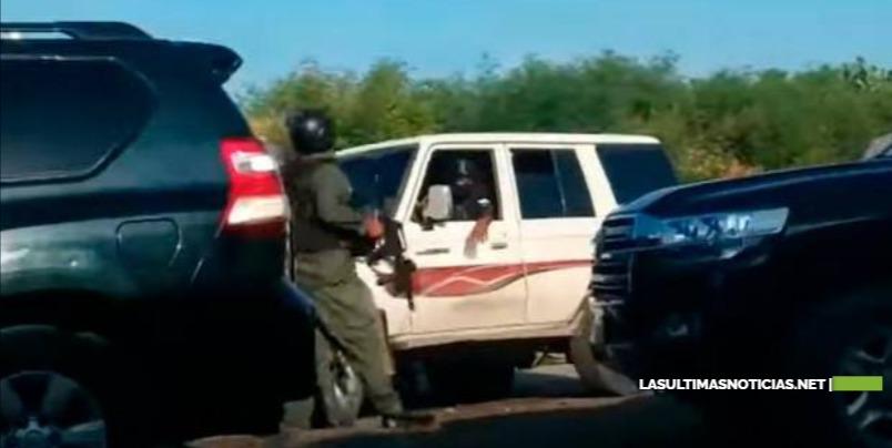 Bandas tirotean y obligan a huir caravana de primer ministro haitiano en acto de homenaje a Dessalines